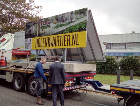 Bord geplaatst bij Holenkwartier