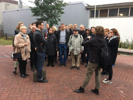 Raad brengt werkbezoek in kader ontwikkeling Holenkwartier