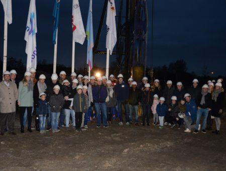 Burgemeester slaat eerste paal nieuwbouwplan Reigersborg Noord fase 3d in Hoogkarspel