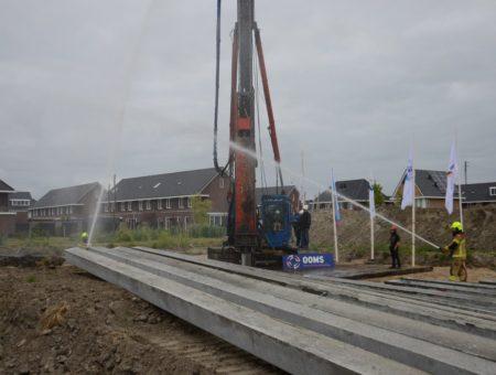 Kopers slaan eerste paal nieuwbouwplan Reigersborg Noord fase 3g in Hoogkarspel