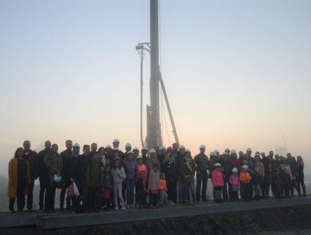 Feestelijke paal nieuwbouwplan Molenzicht in Bangert & Oosterpolder te Zwaag